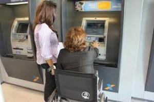 Auxiliar de discapacitados en sucursal bancaria