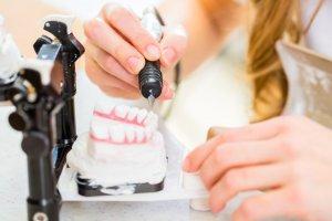 Auxiliar en Prótesis Dental