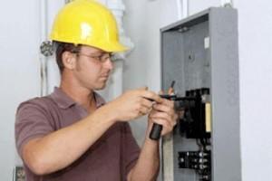 Instalador electricista de baja tensión