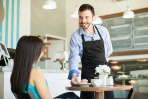 Camarero de Cafetería y Bar
