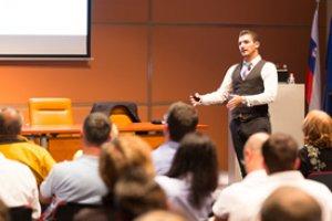 Liderazgo y Cómo Hablar en Público