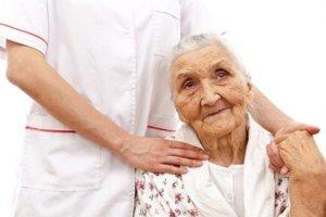 Cuidado al Adulto Mayor: Una Mirada al Envejecimiento